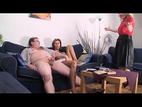 videos of nakes girls sucking pinices