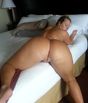 Naked big booty white moms gallery